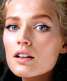 The Trick To Mastering Dewy-Looking Skin There's a big difference from appearing fresh and glowy vs. looking overheated and sweaty. Here's how to avoid the latter