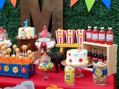 Chiquita Party Boutique 's Birthday / Circus Carnival Party - Circus Carnival Party at Catch My Party Dumbo Birthday Party, Birthday Party Desserts, Carnival Birthday Parties, Circus Birthday, 2nd Birthday, Birthday Ideas, Turtle Birthday, Turtle Party, Clown Party