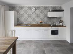 Not your average neutral our Atelier Grigio perfectly ties this room together . Interior Styling, Interior Decorating, Interior Design, Diy Home Decor, Kitchen Cabinets, New Homes, Design Inspiration, House Design, Flooring