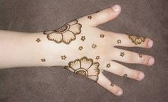 30 Very Simple, Easy & Best Mehndi Patterns For Hands & Feet 2012 | Henna Designs For Beginners | Girlshue