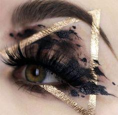 Best Halloween Eye Makeup Ideas, Looks & Trends 2018 - Idea Halloween Halloween Eye Makeup, Halloween Eyes, Makeup Trends, Makeup Ideas, Aesthetic Makeup, Trends 2018, Wicked, Comics, Beautiful