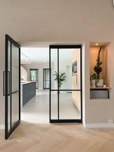 Open Plan Kitchen Living Room, Home Living Room, Living Room Designs, Küchen Design, House Design, Flat Color Palette, Grey Flooring, Apartment Interior Design, Hallway Decorating