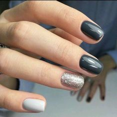 Monochrome Summer Manicure In Glossy Dark Grey, White And Glittering Silver For Round Nails