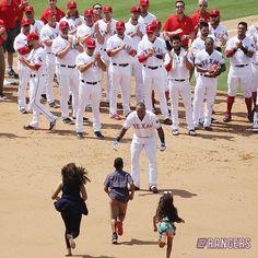 Beltre's kids run onto the field 7-30-2017 (@Rangers) | Twitter Texas Rangers Players, Rangers Baseball, Sports Baseball, Power Rangers, My Rangers, Cardinals, Basketball Game Tickets, Major League, Cowboys