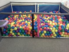 Homemade ball pit in less than one hour. Fun Places For Kids, Diy For Kids, Kids Indoor Playground, Playground Toys, Kids Obstacle Course, Baby Room Design, Toy Rooms, Baby Decor, Kids Playing