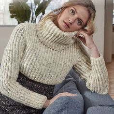 Turtleneck Outfit, Sweater Outfits, Cropped Sweater, Jumper, Fluffy Sweater, Winter Season, Warm And Cozy, Turtle Neck, Wool