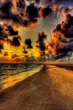 Visual Infinity Clouds in the Sky Beautiful Sky, Beautiful Landscapes, Beautiful World, Beautiful Places, Amazing Pics, Beautiful Pictures, Awesome, Amazing Photography, Landscape Photography
