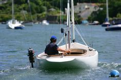 Rustler 24 - A beautiful classic, long-keel trailerable dayboat Sailboat Yacht, Sailboat Plans, Falmouth Cornwall, Sailing Dinghy, How To Style Bangs, Deck Plans, Yacht Design, Wooden Boats, Modern Materials