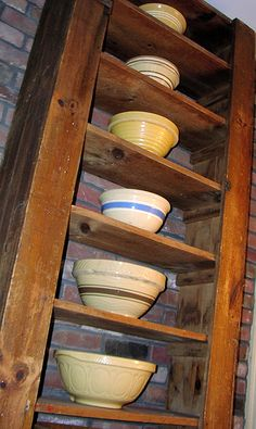 stoneware bowls some of the most wonderful vessels for preparing food ever. My grandmother had one so did my mom I want to find one myself. Vintage Kitchenware, Vintage Bowls, Vintage Dishes, Old Pottery, Pottery Bowls, Vintage Pottery, Old Crocks, Yellow Bowls, Tadelakt