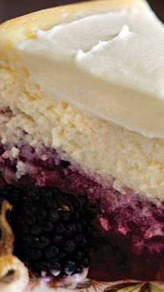 Lemon Blackberry Ceesecake from ivillage Blackberry Cheesecake, Blackberry Recipes, Cheesecake Recipes, Layer Cheesecake, Blackberry Cake, Japanese Sweets, Just Desserts, Delicious Desserts, Yummy Treats