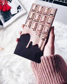 """Rose Gold"" ✨🌷🍫 Chocolate Palette by € Makeup Items, Makeup Brands, Best Makeup Products, Cute Makeup, Gorgeous Makeup, Makeup Revolution, Chocolate Makeup, Make Up Marken, Chocolate Palette"