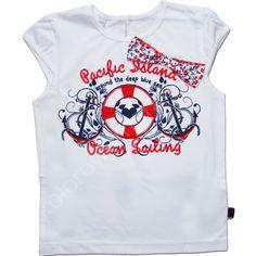 Klasyka - marynarski styl odzieży dziewczęcej na lato.