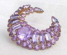 Kramer Signed Alexandrite Pale Blue Rhinestone Wreath Brooch Pin
