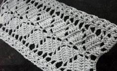 Patrón de bufanda a crochet con figura de hojas