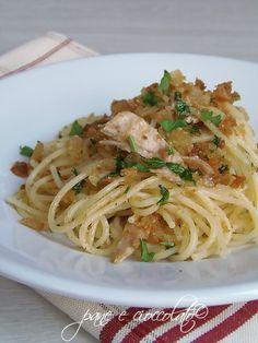 Spaghetti mollica e tonno Chicken Wing Recipes, Pasta Recipes, Cooking Recipes, Healthy Recipes, Italian Pasta, Italian Dishes, Italian Recipes, Italian Dining, Italian Cooking