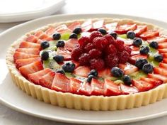 Fresh Fruit Tart recipe from Paula Deen via Food Network. This recipe will be replacing my old fruit tart recipe that I've used for years. Paula Deen, Köstliche Desserts, Delicious Desserts, Italian Desserts, Health Desserts, Fresh Fruit Tart, Fruit Pie, Cheese Fruit, Fruit Tart Glaze