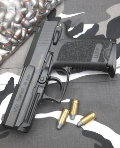 HK USP Compact in .45 ACP by Boromir66 Find our speedloader now!  http://www.amazon.com/shops/raeind Heckler & Koch, Guns Dont Kill People, Military Guns, 45 Acp, Cool Guns, Concealed Carry, Guns And Ammo, Edc Essentials, Hand Guns