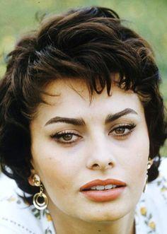 Sophia LOREN (1957)                                                                                                                                                                                 Plus
