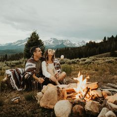 RV And Camping. Great Ideas To Think About Before Your Camping Trip. For many, camping provides a relaxing way to reconnect with the natural world. If camping is something that you want to do, then you need to have some idea Romantic Camping, Beach Camping, Family Camping, Tent Camping, Outdoor Camping, Camping Date, Adirondack Camping, Camping Storage, Camping Mattress