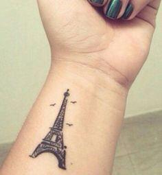 Tatouage inspiration voyage : Tour Eiffel