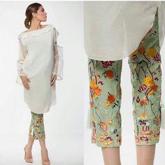 New embroidery shirt pakistani 21 ideas Pakistani Couture, Pakistani Outfits, Indian Outfits, Dresses Short, Simple Dresses, Indian Attire, Indian Wear, Kurta Designs, Blouse Designs
