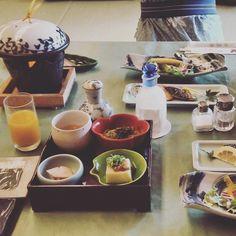 Kaiseki breakfast @ Kobe Ryokan #kaiseki #kobe #japan #ryokan #nippontour2015 by laia__