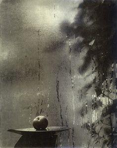 © Fotografia tirada através de um vidro, sem data, Josef Sudek / mastersofphotography