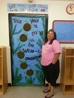 My sea themed door. Plates and construction paper to make turtles. Painted the plates with brown and green. Turtle Classroom, Classroom Door, Future Classroom, Classroom Themes, Preschool Themes, Preschool Classroom, Turtle Bulletin Board, Bulletin Boards, Professor
