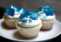 Blue Glass Cupcakes: These would be cool for a breaking bad watch party