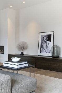 8 Sublime Tricks: Minimalist Home Inspiration Pillows minimalist interior design clothing racks.Minimalist Bedroom Carpet Simple minimalist home interior projects. Interior Design Minimalist, Minimalist Home Decor, Minimalist Living, Modern Living, Minimalist Kids, How Interior Design, Minimalist Window, Modern Minimalist Bedroom, Modern Beds
