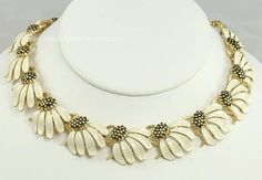 vintage enamel flower jewelry | ... Adornments: Lovely Vintage Beige Enamel Flower Necklace Signed LISNER