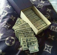 richesse et Luxury Lifestyle Rich Lifestyle, Luxury Lifestyle, Make Money Online, How To Make Money, Money Stacks, Billionaire Lifestyle, My Money, Cash Money, Money Pics