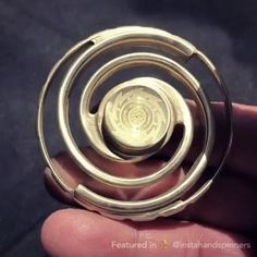 "Follow @top.fidgets for more spinner videos! Do you like this spinner? Answer ""I love it"" in the comments.  Want to buy a fidget spinner? Click the link in our bio. - via: @anatolianmods"