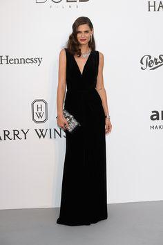 vestido largo en negro -  Bianca Balti de Dolce & Gabbana festival Cannes 2017