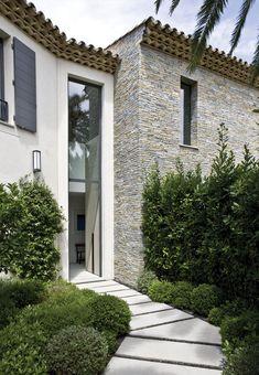 françois vieillecroze architecte / villa st tropez ༺༻ Create an Exceptional… Residential Architecture, Landscape Architecture, Interior Architecture, Landscape Design, Landscape Stairs, Home Styles Exterior, Exterior Design, Interior And Exterior, Exterior Stairs