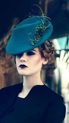 Chapeau Benita, création modiste Jane Taylor Millinery – Crédit photo Jane Taylor Millinery