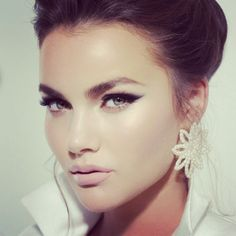 A Soft Eyeliner and Lashes ♡ #makeupbynatashadenona #natashadenonaproducts #beauty #makeup #bridal #eyeliner #50's @dvirka2 @lenaterekhova @oferraphaeli @yairk900 @yakirbenzaken @carmitsimchi