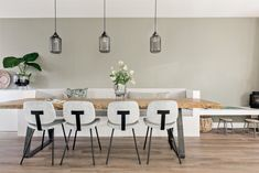 Shop the Look: Sfeervolle woonkeuken in Rotterdam - Eigen Huis en Tuin - Lilly is Love Dining Room, Dining Table, Living Room Designs, Sweet Home, Interior Design, Kitchen, House, Furniture, Home Decor