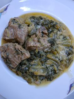 """Η Συνταγή είναι από κ. Βικη Αναματερου – """"Γλυκά κουταλιού και φαγητά ....πιρουνιού!!"""". ΥΛΙΚΑ 1κιλο χοιρινό κρέας σπάλα κομμένο μισό ποτήρι κρασί λευκό 1 μαρούλι 3 κρεμμύδακια φρέσκα 3 κλαδάκια σελερι Ανιθο λάδι αλάτι πιπέρι λεμόνι αυγό ΕΚΤΕΛΕΣΗ Τσιγαριζουμε το κρέας να Greek Recipes, Baking Recipes, Steak, Pork, Beef, Cooking, Cooking Recipes, Kale Stir Fry"""