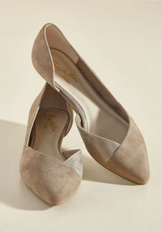 You've got the upper hand when it comes to sharp style, thanks to these suede wedges by Seychelles. The demure d'Orsay silhouette of this neutral, ModCloth-exclusive pair is touched with crackled gold side panels, putting you in the lead as a fashion forerunner.