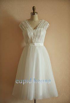 Short Lace Bridesmaid Dress Simple Cap Sleeves Cheap V-neck White Ivory Tea-length Short Lace Wedding Dress Bridal Dress Wedding Gown 2014