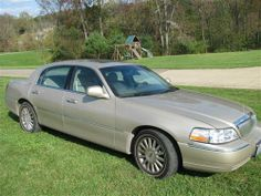 Used Lincoln Town Car Cars [Automobiles] with transmission Unspecified and miles 58116