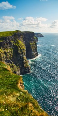 The Ultimate Guide to Visiting the Cliffs of Moher in Ireland: everything you need to know before planning your trip to the Cliffs of Moher From Dublin! Irish Landscape, Ireland Landscape, Ireland Vacation, Ireland Travel, Backpacking Ireland, Places To Travel, Oh The Places You'll Go, Places To Visit, Travel Destinations