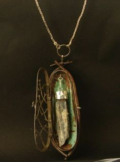 kyanite encased - This would be a magnificent coffin to contain a dead bee, a praying mantis, a clover weevil . Crystal Jewelry, Metal Jewelry, Pendant Jewelry, Jewelry Art, Jewelry Accessories, Jewelry Necklaces, Jewelry Design, Pendant Necklace, Yoga Jewelry