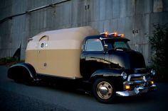 """Russ Moen's """"Mothership"""" 1954 Chevrolet COE Tourliner RV. Under the skin of this 1954 Chevrolet Tourliner is technology ranging from a Cummins diesel engine to rear-view cameras and air conditioning. Winner of the 2011 Peach City Beach Cruise Show. http://www.vancouversun.com/life/Mothership+motorhomes+hand+crafted+retro+beauty/8199894/story.html Photo