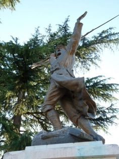 Monument aux morts – Preignac, Aquitaine