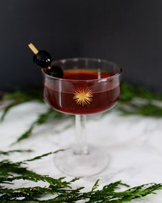 The Manhattan Classic Cocktail Recipe / Liquorary for Oh So Beautiful Paper