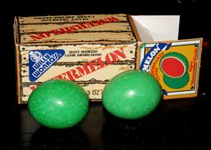 CC_Willy Wonka Watermelon jawbreaker candy - My favorite candy! Bought at Ben Franklins. 1980s Candy, Jawbreaker Candy, 80s Food, Candy Drinks, Vintage Candy, Candy Containers, Willy Wonka, Favorite Candy, Chocolate Factory