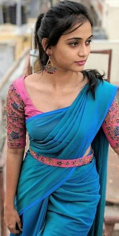 She is an Indian Model . Wedding Saree Blouse Designs, Half Saree Designs, Saree Blouse Neck Designs, Fancy Blouse Designs, Blouse Patterns, Trendy Sarees, Stylish Sarees, Fancy Sarees, Simple Sarees