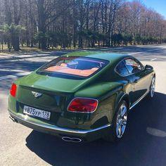 My Dream Car, Dream Cars, Bentley Continental Gt V8, New Bentley, Bentley Motors, Top Luxury Cars, Car Goals, Top Cars, Bugatti